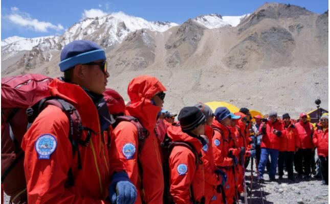 2020珠峰測量登山隊成功登頂 登山過程一波三折
