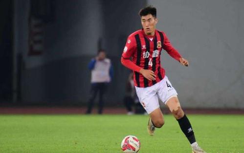 北大球王肖鯤在上海上港的試訓表現優秀 或將成功簽約上港